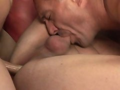 Mature shemale jizzing in threesome