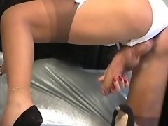 Lonely curvy tranny plays with huge cock in hotel